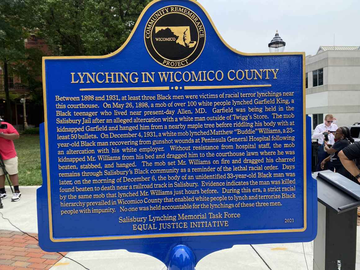 Memorial sign about the lynching in Wicomico County.