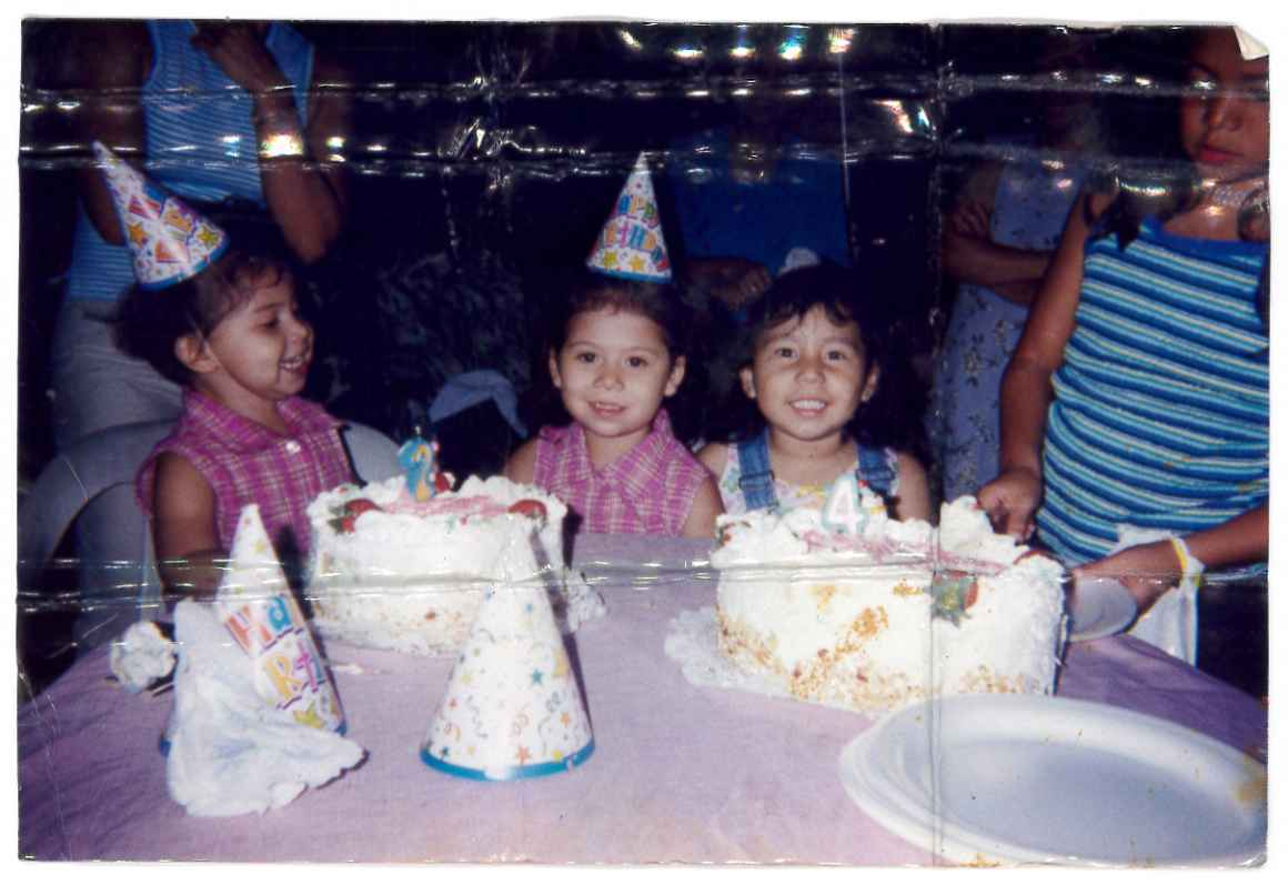 Neydin Milián's birthday with her sister and cousin